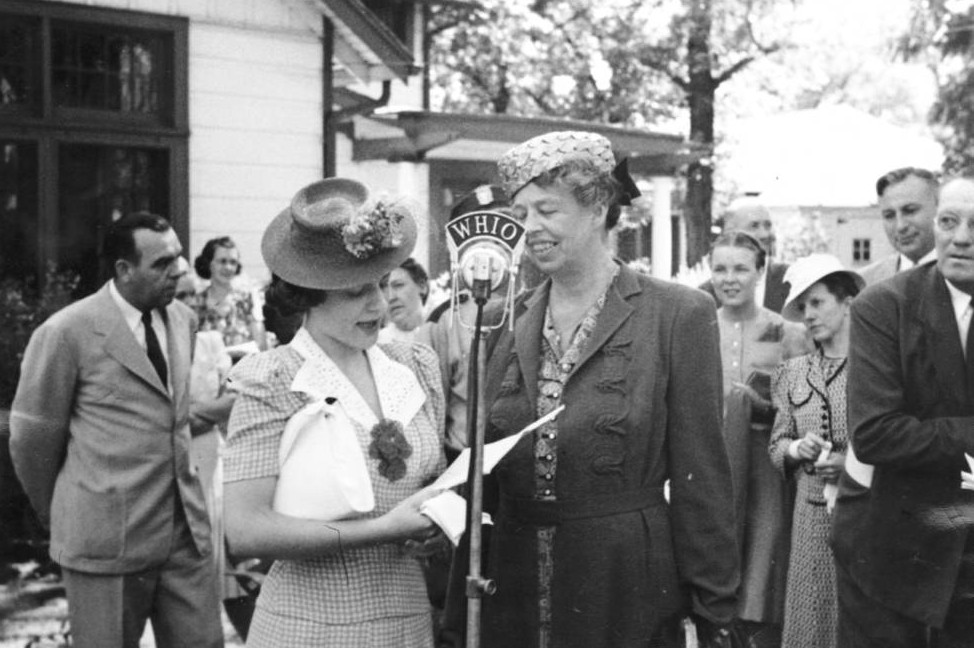 Audrey Wilcke Evans interviewing Eleanor Roosevelt ca. 1941, via Ohio Memory.