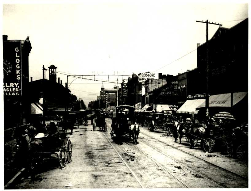 South Fourth Street on Market Day, from Art Work of Columbus, 1897. Courtesy of the State Library of Ohio Rare Books Collection on Ohio Memory.