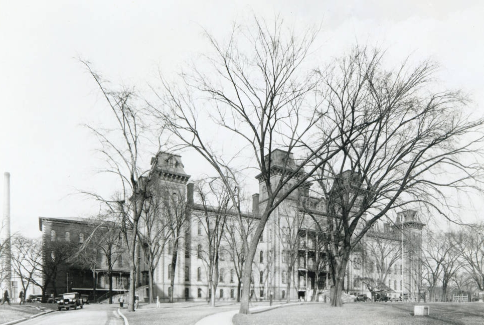 Former site of the State School for the Deaf, located on Town Street in downtown Columbus. The school later relocated to its present location near Morse Road and North High Street. Via Ohio Memory.