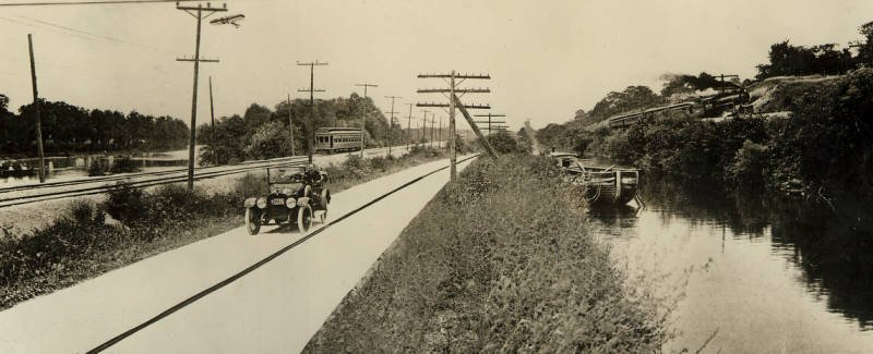 Panorama taken south of Dayton, where the river, canal, interurban and railway lines and the Cincinnati pike all run parallel for a short distance, ca. 1915. Via Ohio Memory.